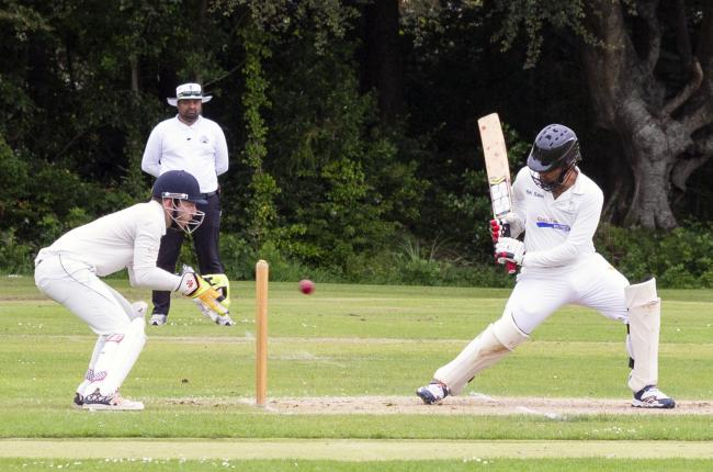 Helensburgh were beaten by Strathmore in the semi-final of Cricket Scotland's Gray Nicolls Challenge Cup on Sunday