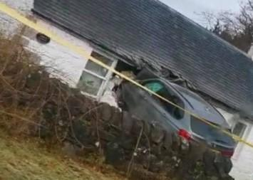 A BMW crashed into a holiday home close to the Cross Keys roundabout in the early hours of Saturday, November 9 (Image - Facebook)