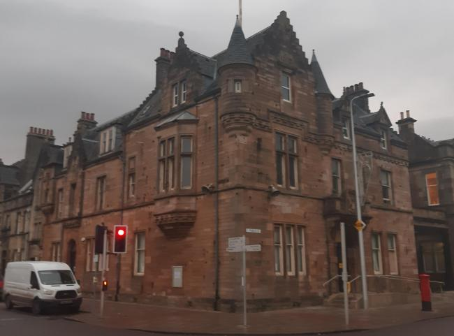 Work has started on restoring the Municipal Buildings in Helensburgh and transforming the property into a Peckham's restaurant, deli and bar - more than three years after the plans first went public