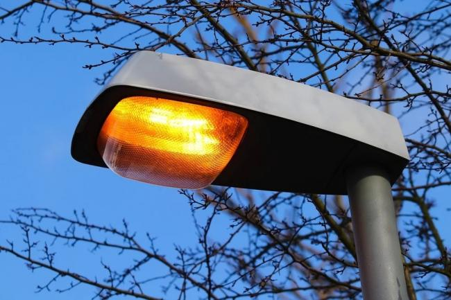 Only 16 per cent of street light faults in Helensburgh and Lomond were fixed within 10 days in the first three months of this year, a report has revealed