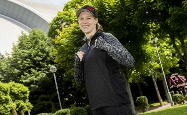 Hannah Rankin is set to face Kholosa Ndobayini in her first fight at welterweight level next month