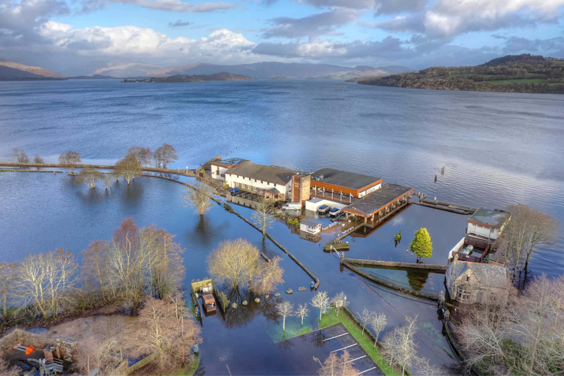 Duck Bay Marina >> Loch Lomond S Duck Bay Hotel Marooned By Flood Water Helensburgh