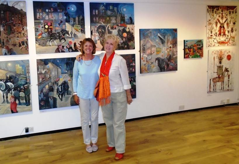 Isla St Clair (left) visited Dorothy's exhibition in Dalmuir