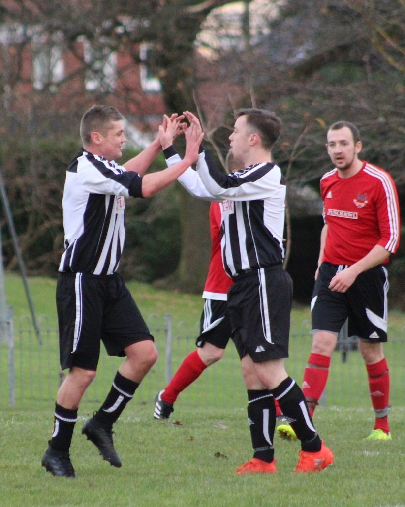 Helensburgh drew 3-3 away to Ochiltree in the Scottish Amateur Cup on Saturday