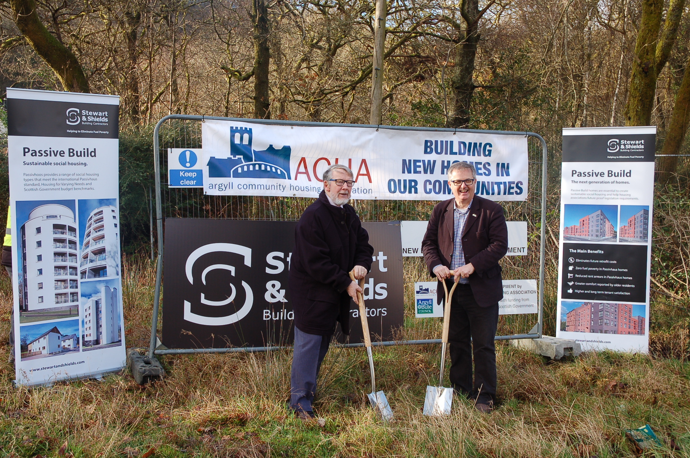 Brendan O'Hara MP joins Jim Milne, chair of ACHA's board of management, to cut the first turf on the new 'Passivhaus' development in Garelochhead