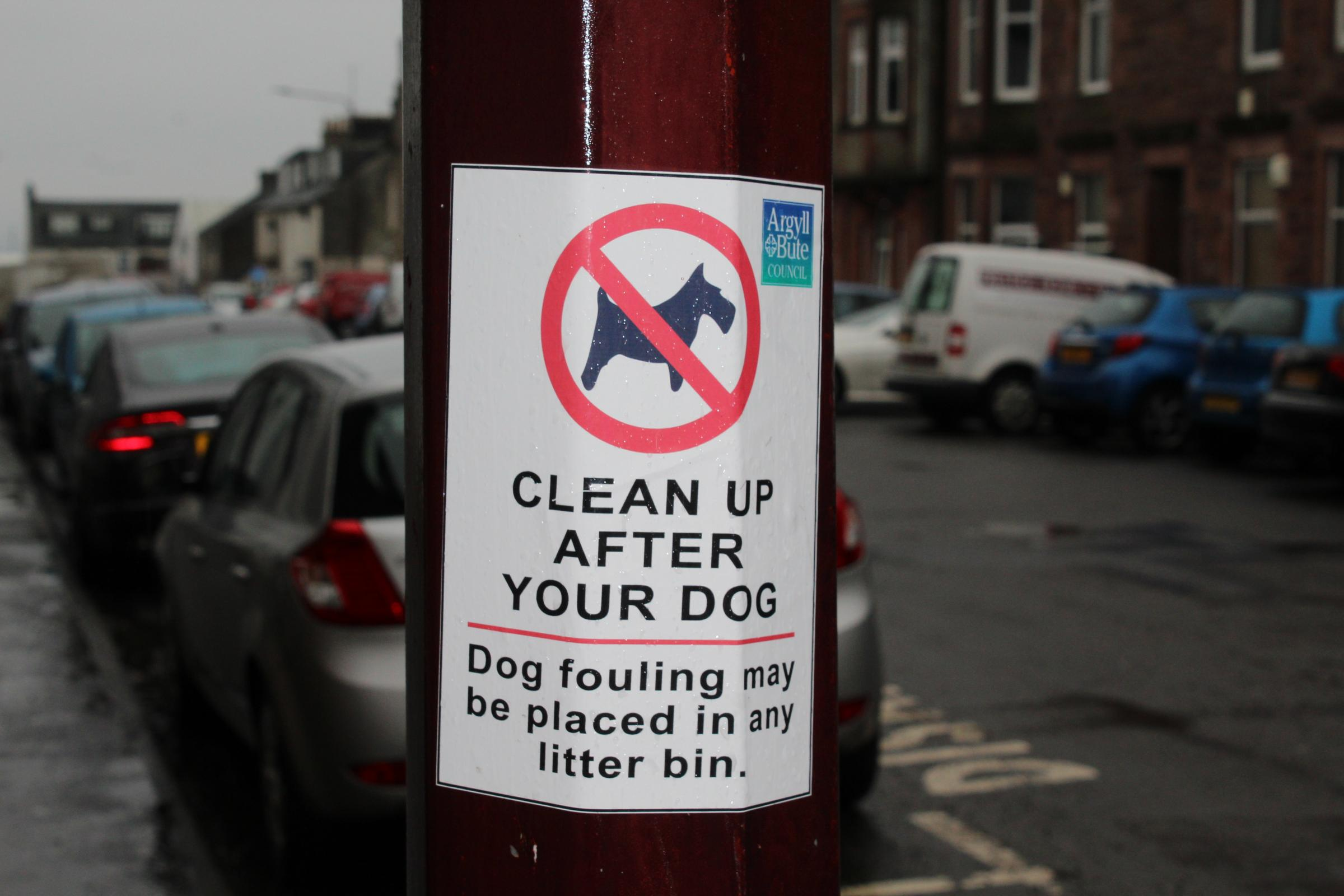 The environmental warden service's duties include handing out fixed penalties for dog fouling