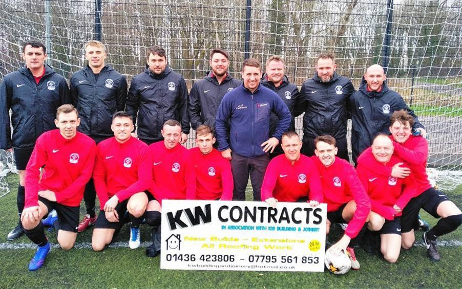 Kenny Whitehead of KW Contracts pictured with the Caple Amateurs squad